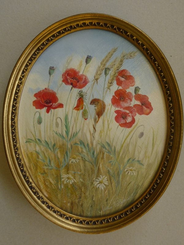 Oval – Poppies and Field Mouse